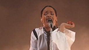 Metallica, Rihanna, Cat Stevens A Central Park le star per i poveri