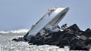 Barca si schianta sugli scogli Muore star cubana di baseball