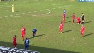 Giocatore a terra, rivali segnano sfiorata la rissa, restituiscono gol
