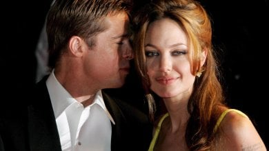 Jolie-Pitt: trattativa blindata, Angelina chiama la regina dei divorzi di Hollywood