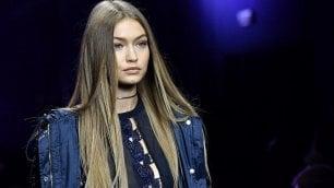 Visionari e urban chic: i make up 2017 visti in passerella