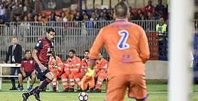 Viviano regala, Cagliari ride Sampdoria beffata: è 2-1   ft