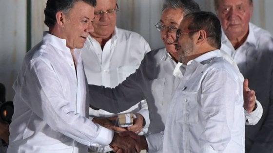 La pace trionfa in Colombia, le Farc si sciolgono in un partito