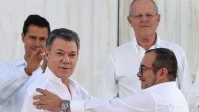 Colombia, firmata la pace -   video     foto   Farc depongono armi e fanno un partito