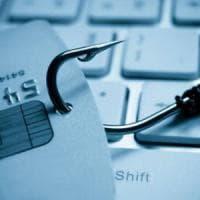 Altro che deep web, il cybercrimine è di casa sui social network