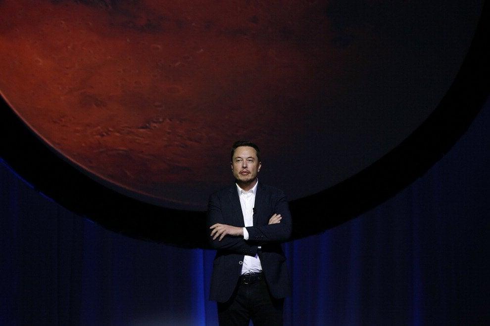 Verso Marte e oltre, il piano di Elon Musk per colonizzare il Sistema solare