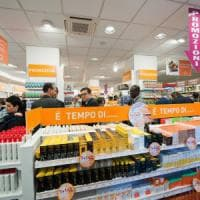 Scende ancora la fiducia dei consumatori italiani, tengono le imprese