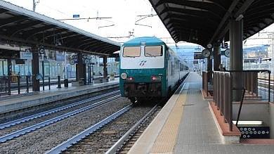 Il nuovo piano delle Ferrovie: non solo treni, nei prossimi 10 anni l'assalto a bus e strade