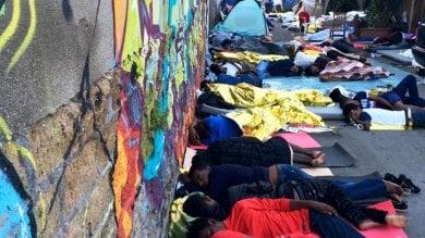 Baobab, la questura di Roma vìola  il diritto d'asilo: la denuncia dei volontari