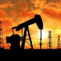 Petrolio: accordo all'Opec su produzione, il prezzo del greggio sale