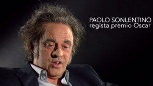 Crozza diventa Paolo Sonlentino L'imitazione del regista in tv