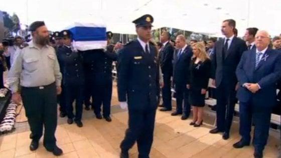 Peres, al via i funerali. Sono arrivati i grandi del mondo