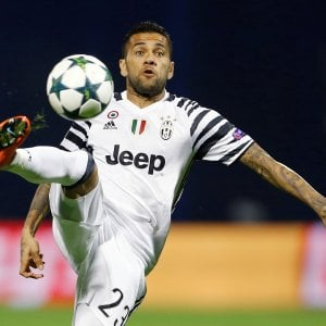 """Juventus, Dani Alves: """"Qui per la Champions, so come si vince"""""""