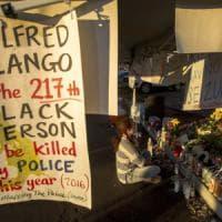 Usa, afroamericano disarmato ucciso dalla polizia a San Diego: diffuso il