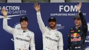 F1. Gp Malesia: Hamilton in pole, Ferrari in terza fila