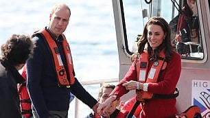 Kate e William in Canada: la coppia reale a pesca di granchi e salmoni
