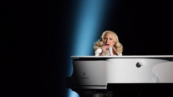 Lady Gaga, un tour nei 'bar malfamati', ritorno agli esordi con 'Joanne'