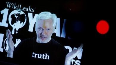 Wikileaks, 10 anni di scoop. Assange: ''Nuovi documenti su elezioni Usa in arrivo''