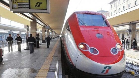 """Trenitalia: """"Sì agli abbonamenti dell'Alta velocità, ma a prezzi più alti"""""""