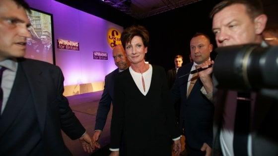 Gb: Diane James lascia la carica di leader dell'Ukip, il partito dell'estrema destra inglese
