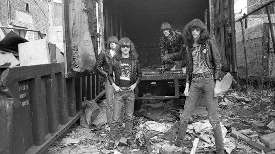 A New York una strada per i Ramones