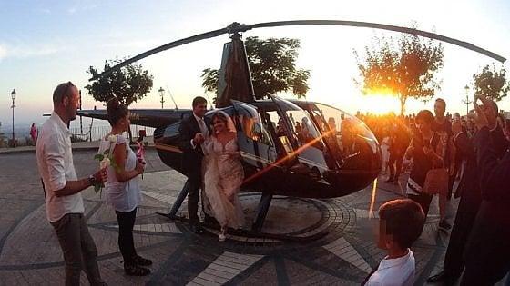 Nicotera, si dimette il sindaco delle nozze show in elicottero