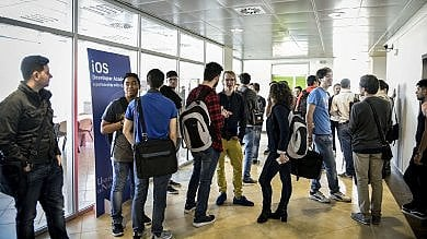 Apple, il giorno di Napoli: oggi s'inaugura la Academy. Renzi: Se riparte il Sud, riparte l'Italia