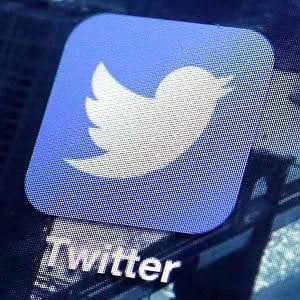 Google si sfila dalla corsa per Twitter: Salesforce in pole
