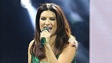 Mal di gola per Laura Pausini : salta l'inizio del tour europeo