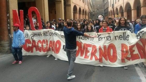 Inizia l'autunno caldo della scuola, studenti in sciopero e cortei in tutta Italia