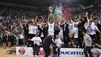 Basket, revocati due scudetti a Siena. Via anche tre coppe