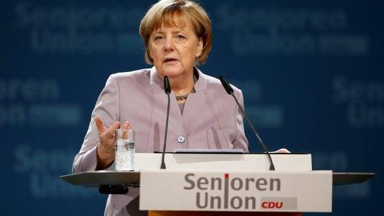 Il giro di vite di Berlino: tagli al welfare per stranieri, sussidi solo dopo 5 anni