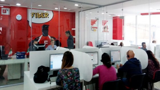 Nei call center albanesi dove si assume sempre mentre in Italia si taglia