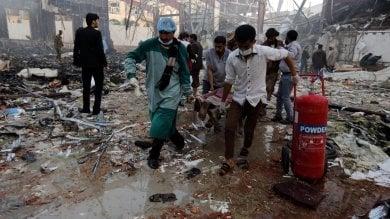 Yemen, raid su un funerale a Sana'a: 155 vittime. Ucciso il sindaco