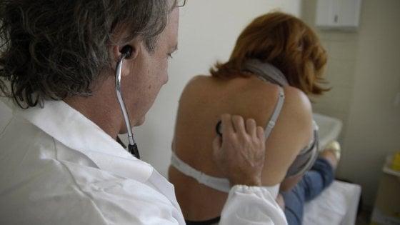 """Sorpasso in corsia: """"Un medico su due è ormai over 55"""""""