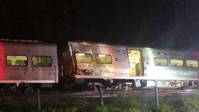 New York: Long Island, deraglia un treno, un centinaio di feriti