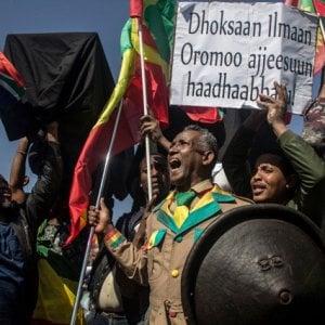 Etiopia, stato di emergenza: in fiamme per la repressione degli oromo