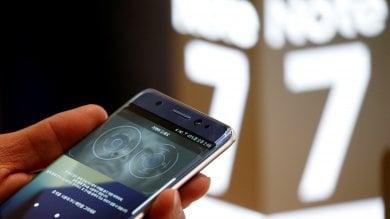Samsung sospende le vendite del Galaxy Note7, crollo in Borsa