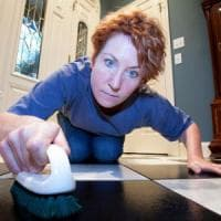 Ossessione pulizia, la provocazione di un pediatra americano: