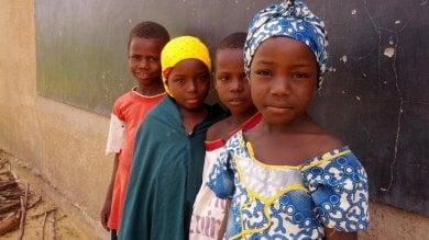 """Onu: 5 milioni spose bambine ogni anno """"Settantamila muoiono di parto"""" -   video"""