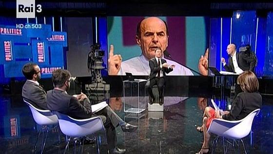"""Renzi alla sua minoranza: """"Se non si fida voti No al referendum"""""""