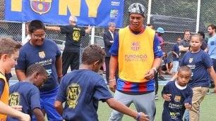 Ronaldinho e il calcio senza troppi rimpianti: 90 minuti mi annoiano
