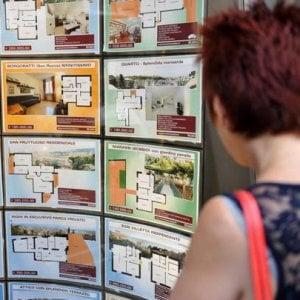 Poche case a misura di giovani, così gli italiani restano con i genitori