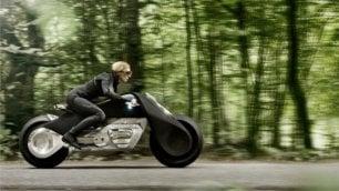 Bmw, ecco la moto che non cade mai