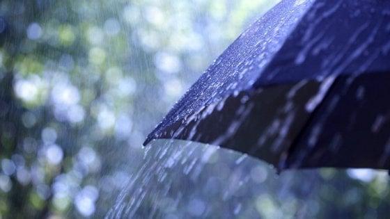 Meteo, Italia divisa in due: Centro-Nord con la pioggia, per lo Scirocco ancora estate al Sud
