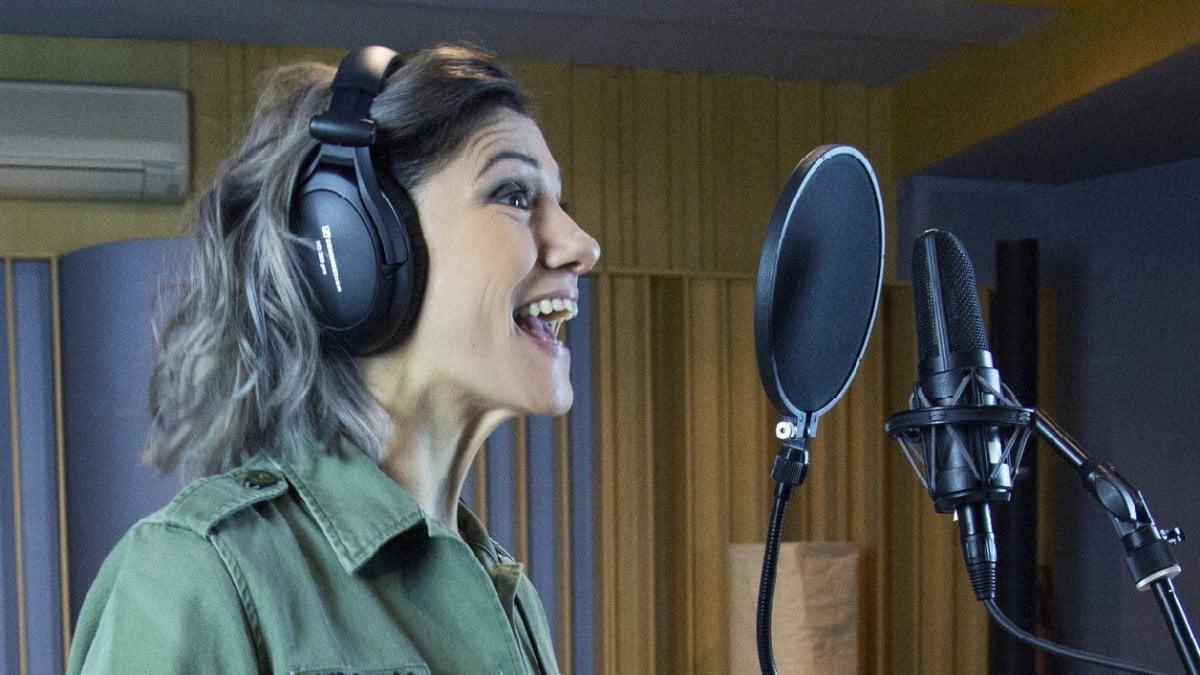 """Elisa: """"La musica è passione, ma ora che sono mamma doppio la principessa Poppy"""""""