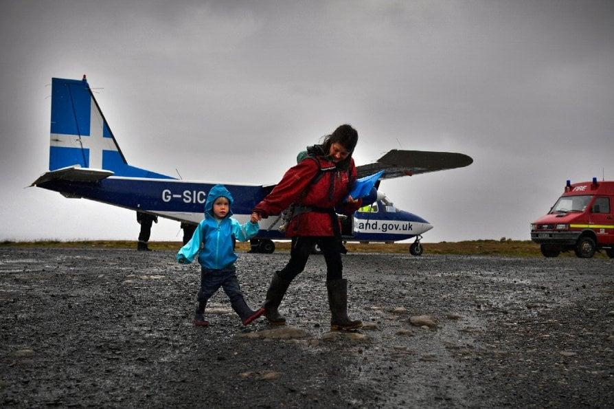 L'isola più remota e i suoi 30 abitanti al confine d'Europa