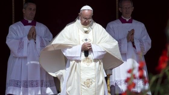 """Il Papa: """"Ipocrita chi difende Cristo e caccia i rifugiati"""""""