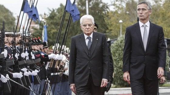 """Migranti, Mattarella: """"Italia sola nella crisi del Mediterraneo"""". Alfano: """"Non saremo l'Ellis Island d'Europa"""""""