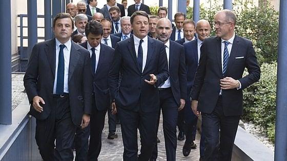 """Renzi: """"Assumeremo 10mila persone tra poliziotti, infermieri e dottori"""""""
